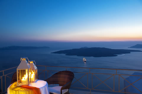 Adamant Suite in Santorini - services