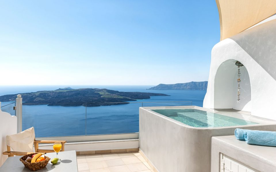 Emerald luxury Suite, Santorini, privacy, panoramic views
