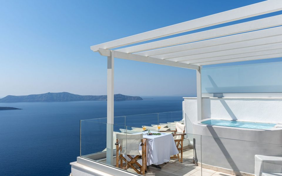 Opal Suite - Luxurious accommodation in Santorini