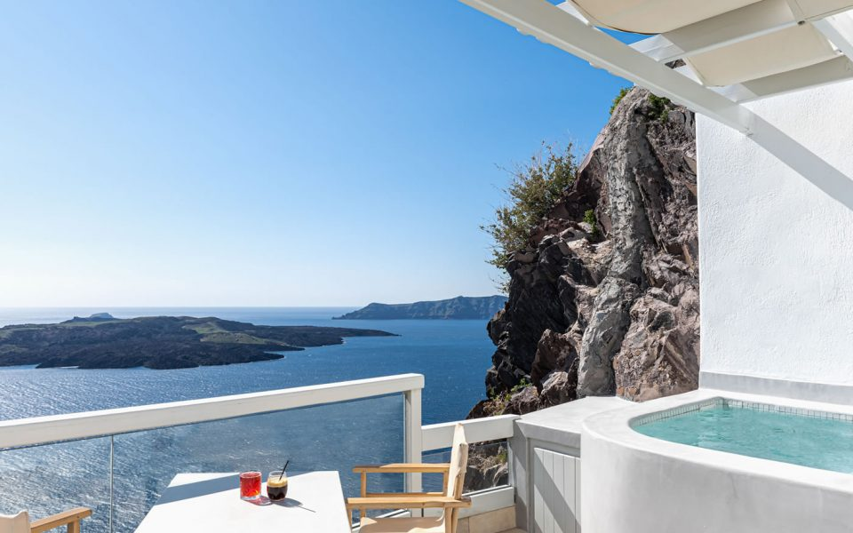 Ruby Suite in Santorini,Luxurious accommodation by Adamant Suites